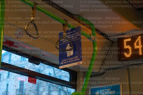 Milano in autobus verso il Duomo