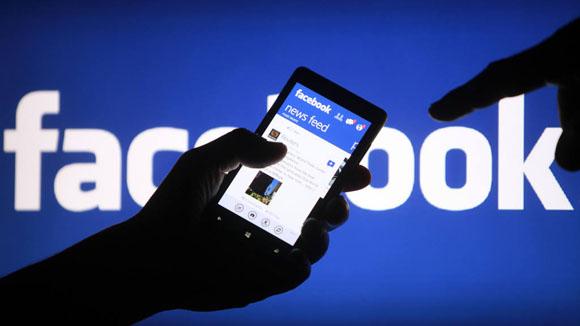 Facebook lancia le presentazioni di foto