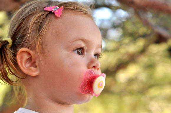 Bambini - Succhiare il dito previene le allergie