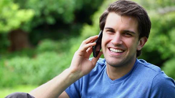 Cellulari - Il suo utilizzo danneggia le braccia