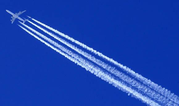 """Scie chimiche, secondo gli esperti è semplice """"vapore acqueo"""""""