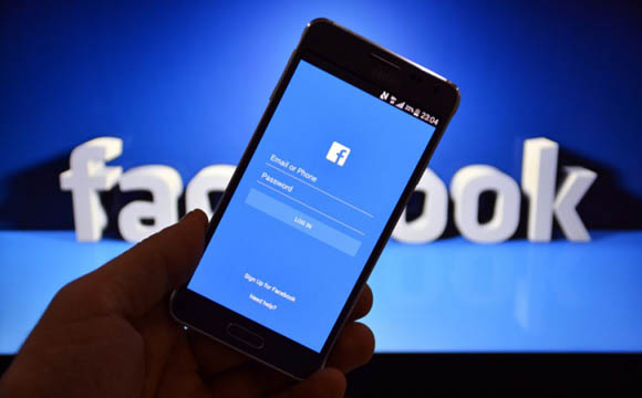 Facebook, al via il supporto a Chromecast per lo streaming