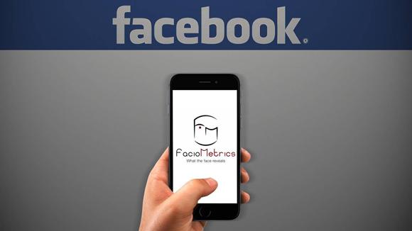 Facebook pensa al futuro: richieste di aiuto online e like con il sorriso