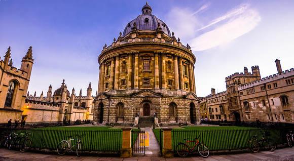 Oxford dice stop a Lui e Lei
