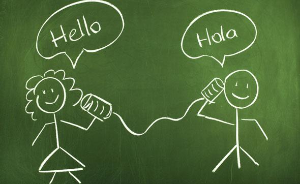 Alzheimer, parlare due lingue può salvare dalla malattia: la scienza conferma