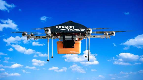 Amazon proiettata nel futuro: robot e magazzini volanti per i droni
