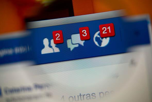 Psicologia - Curiosità - Facebook rende felici