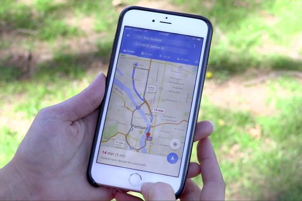 Google Maps per cellulari adesso ricorda il punto di parcheggio dell'auto