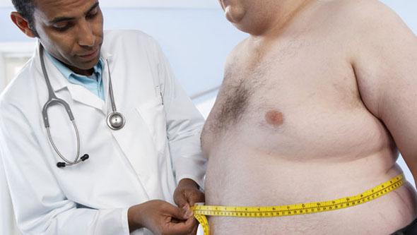 Salute, l'obesità resta più pericolosa di fumo e diabete
