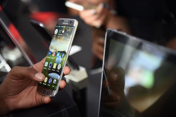 """Samsung Galaxy S8 conterrà il nuovo assistente vocale """"Bixby"""""""