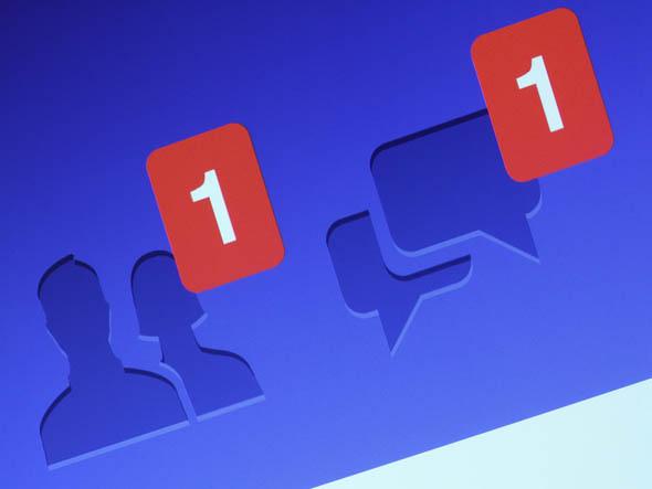 Facebook, novità in arrivo: notifiche condivise e video in copertina