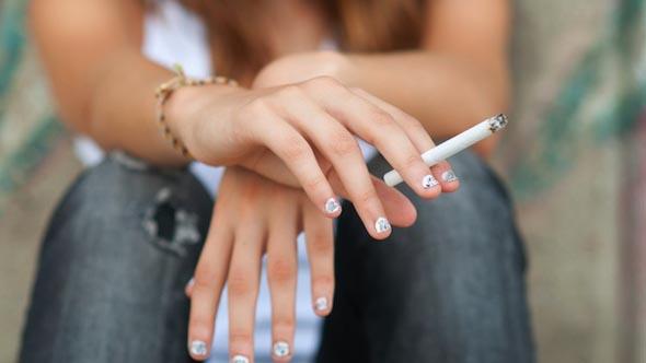 Salute - Sempre più adolescenti dipendenti dal fumo
