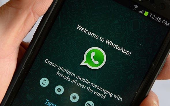 Whatsapp, grandi novità in arrivo: si potrà allegare qualunque file