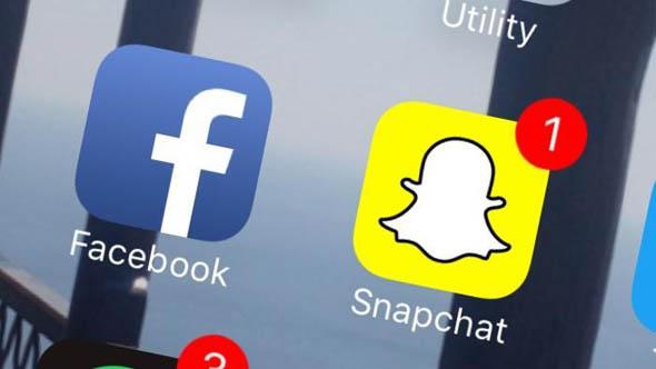 """Facebook sempre meno amato dai giovani: Snapchat """"in risalita"""""""