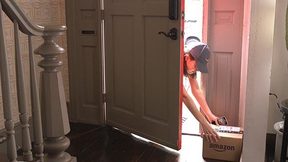 Amazon pensa alle consegne in casa con le chiavi ai fattorini