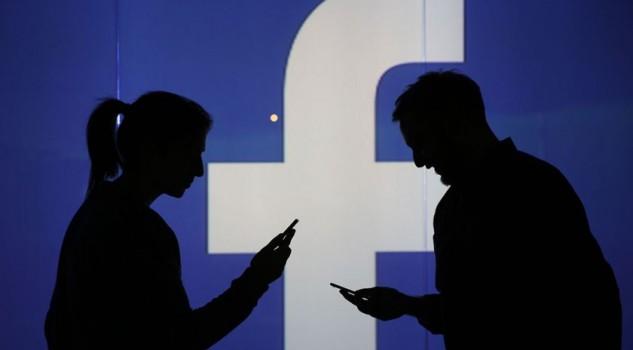 Facebook e Google pronte alle notizie a pagamento in Italia