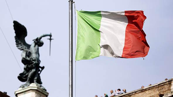 Italia, un paese di vecchi (che invecchia) e di giovani senza lavoro