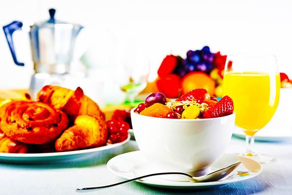 Saltare la colazione danneggia l'apparato cardiovascolare