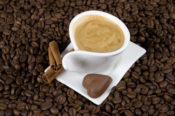 Salute - Caffè e cioccolato riducono il rischio di morte per infarto o ictus
