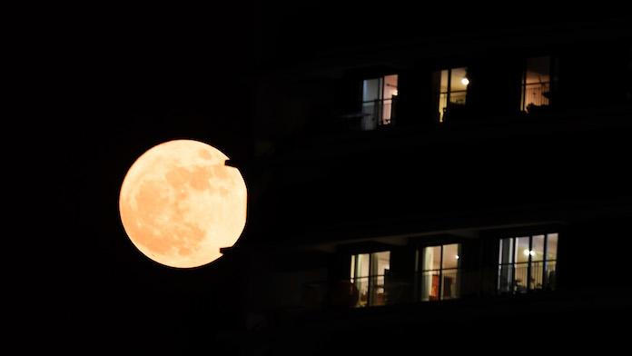 A guardare la luna