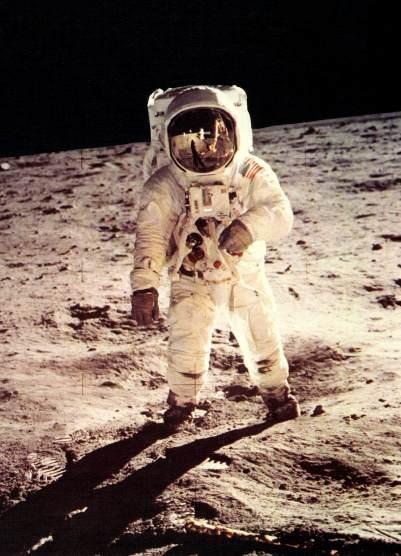 40 anni fà l'uomo sulla luna : e tu , te lo ricordi ?
